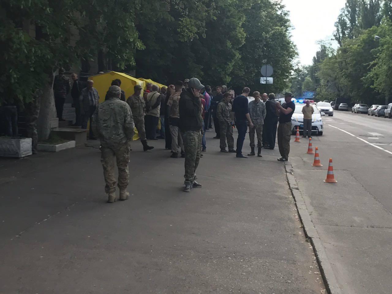 УКиєві невідомі захопили кабінет голови Держгеології