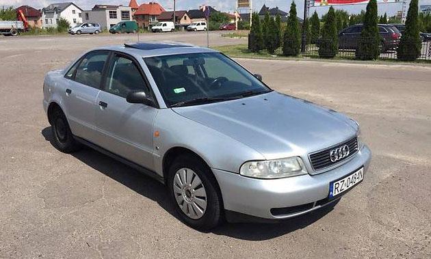 Українські суди почали штрафувати власників нерозмитнених авто на іноземній реєстрації