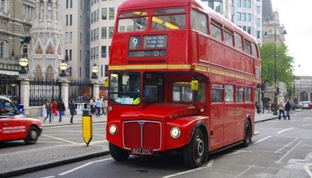Лондон переведе частину автобусів на біопаливо зкави