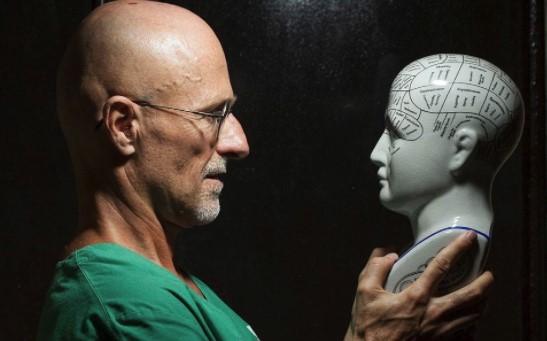 Італійський хірург першим усвіті провів успішну «пересадку» голови трупу