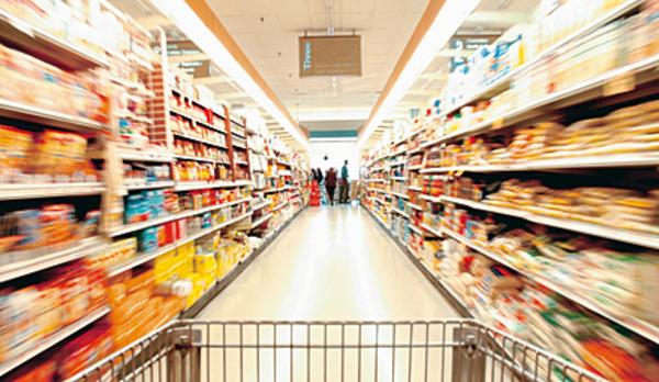 Укиївському супермаркеті помітили мишу, яка бігала попродуктам: опубліковано фото