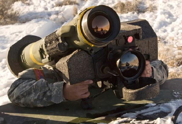 Україна вже отримує летальну зброю від США і Європи