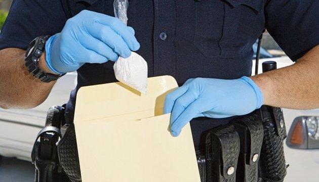 Принц Гаррі таакторка Меган Маркл отримали конверт із білим порошком