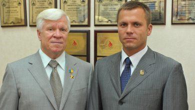 Photo of Сім'я Вадатурських готується до виборів: старший домовляється з «Батьківщиною», молодший будує партію для Гройсмана (фото)