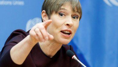Photo of Президент Естонії відмовилась від подарованої російським посольством пляшки кримського шампанського