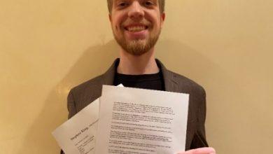 Photo of Український студент підписав контракт зі Стівеном Кінгом, викупивши за 1 долар права на екранізацію його оповідання