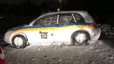 Photo of У Дніпрі зліпили зі снігу поліцейську машину