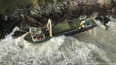 """Photo of В Ірландії сів на мілину """"корабель-привид"""""""
