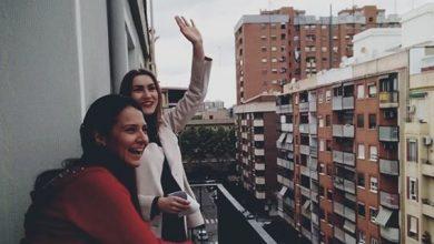 Photo of Українська співачка в Іспанії дає концерти на балконі