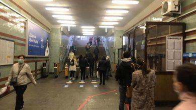 Photo of Величезні черги і жодної дистанції: як працює метро Києва 1 червня