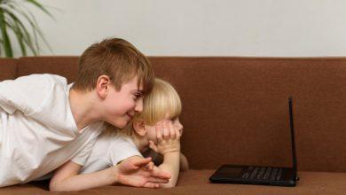 Photo of Медики повідомили, скільки часу дітям можна проводити перед екраном