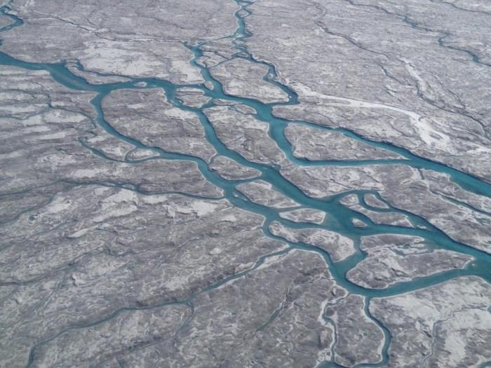 Крижаний покрив Гренландії швидко тане