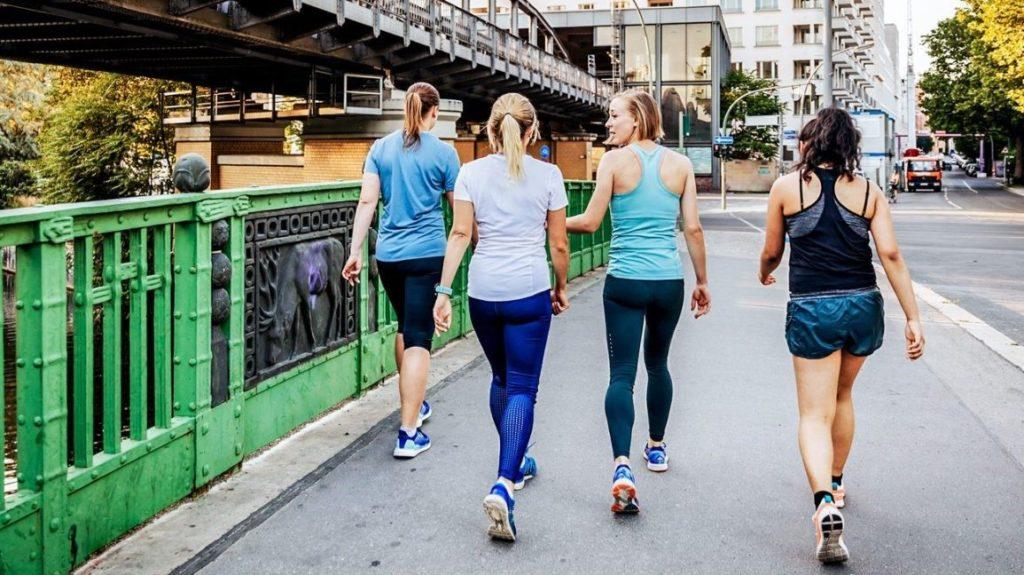 Вчені пояснили – як швидкість ходьби впливає на тривалість життя